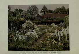 file munstead wood in gardens for small