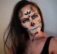 creative and halloween makeup artist