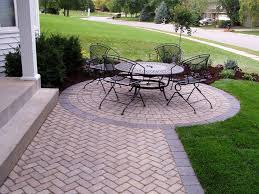 tricks for laying an outdoor brick patio