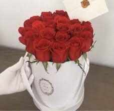 Gifts باقة ورد احمر في فاز 9134408 Mzad Qatar