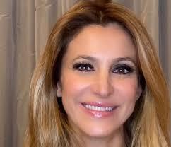 Chi è Adriana Volpe: etá, carriera, vita privata, marito e ...