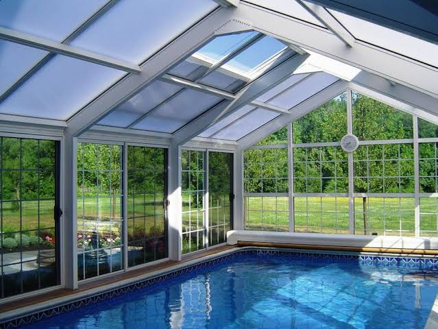 Which is the Best Swimming Pool Enclosure?