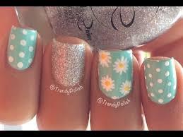 cute daisy nail art short nails you