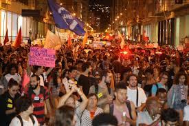 Em defesa da UFF e da educação pública, Niterói faz uma das maiores  passeatas de sua