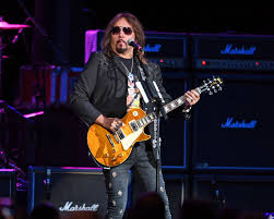 Ace Frehley Blasts Kiss' Gene Simmons in Scathing Facebook Post - Rolling  Stone