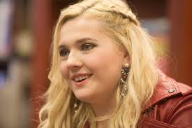 Who's Abigail Breslin? Wiki: Net Worth,Brother,Sister,Son,Parents