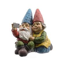 gnome couple taking a selfie gnomelands