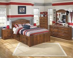 ashley braflin queen bedroom group