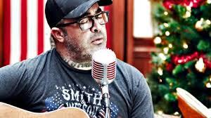 """Aaron Lewis Sings Acoustic Version Of Centuries-Old """"Silent Night ..."""