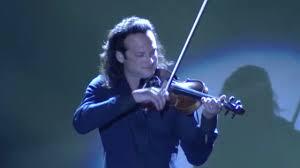 Rock Violinist Aaron Meyer performs Kashmir in Vegas - YouTube