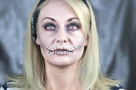 halloween makeup with improvised means