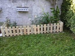 17 Diy Garden Fence Ideas To Keep Your Plants Enthusiasthome Diy Garden Fence Fence Design Pallets Garden