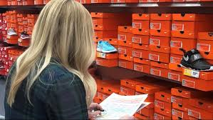 Rack Room Shoes Donates 7 000 In Shoes To Kids In Need Wfmynews2 Com