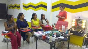 best make up insute in north delhi