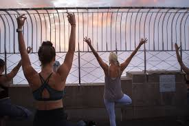 We Tried It Empire State Building Yoga Class People Com