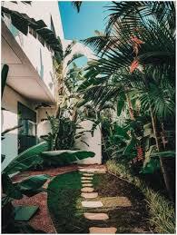 7 tips to make your garden look bigger