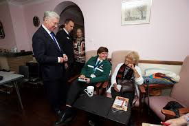 Michael Fallon Kent with Community Warden Jackie West and Amy Clarke – Rt  Hon Sir Michael Fallon KCB