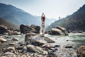 top 13 yoga retreats in rishikesh for a