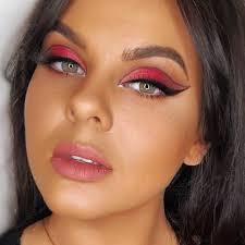 gemmaeconomoumua makeup artist