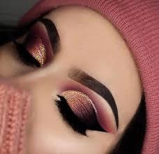 gold glitter eye shadow makeup look