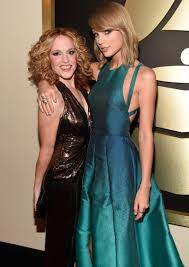 Is Taylor Swift a Bridesmaid In Abigail Anderson's Wedding: An ...