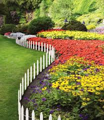 White Picket Fence Garden Border Garden Design Ideas