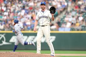 Seattle Mariners: Sign or Decline — Andrew Romine