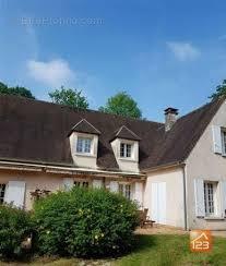 vente maison magny en vexin 300 m²