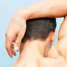 how to shave the back of your own neck