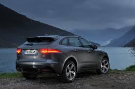 Jaguar F Pace Rear Quarter Suv Suv Jaguar Suv En 2020 Automoviles Carros Y Motos Autos