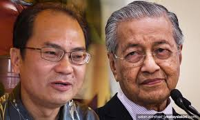 Malaysiakini - Dr M wins praise from 'critic' Ronnie Liu over Chin ...