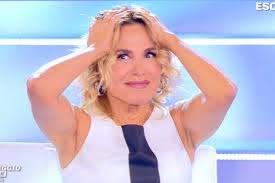 GF Vip: Patrizia De Blanck nuda e Barbara D'Urso nel panico: «Non è colpa  nostra!» - DonnaPOP