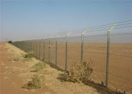 Woven Mesh Chain Link Mesh Fencing 4ft X 100ft Standard Roll For Sale 2 X 2 Mesh 9 Gauge Wire Zinc 275 Gam Sqm