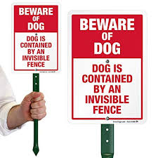 Amazon Com Smartsign Beware Of Dog Sign Dog Contained By An Invisible Fence Sign For Yard Lawn 21 Bend Proof Stake Metal Sign Kit 10x7 Inch Aluminum Industrial Scientific