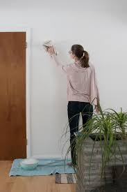 cleaning walls and wallpaper