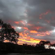 Cielos infinitos. Atardecer ardiente desde el Cerrillo de … | Flickr