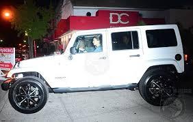 khloe karashian scores a jeep wrangler