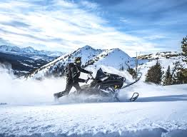 2019 polaris snowmobile lineup features