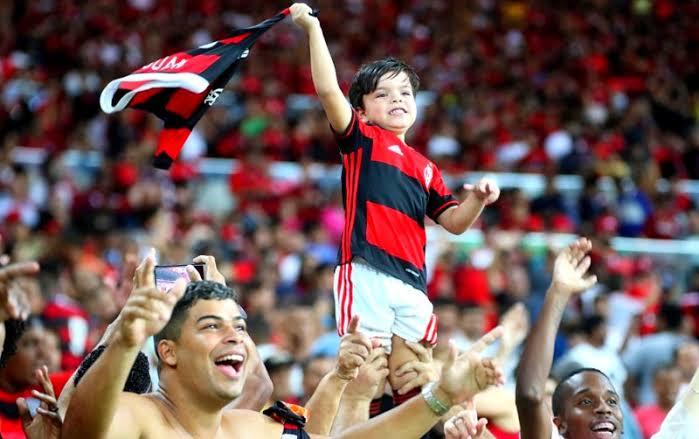 [FILHO(A), EU VI JOGAR!] Monte o melhor Flamengo dentre os jogadores que você viu vestir o manto