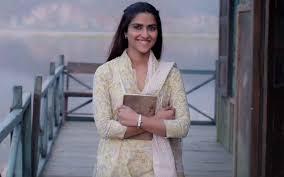 Notebook New Song Laila: Pranutan Bahl Describing Her Lover Will ...