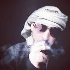 رمزيات شباب صوره شب يدخن