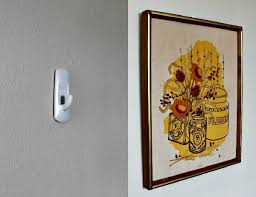 display art without damaging your walls