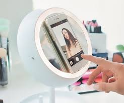the smart makeup mirror