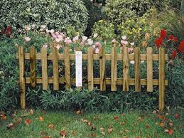 Pin By Christi Aaron On Garden Fences And Gates Small Garden Fence Small Garden Borders Garden Borders