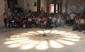 Bari, la magia del solstizio d'estate alla cattedrale - Foto 1 di ...