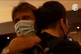 VIDEO / Inter, l'incontro tra Conte e Zhang con abbraccio finale