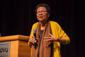 Scholar bell hooks says to love and decolonize the mind - The Review