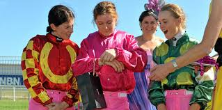 Bonny mare gives magic Mollie a memorable day at the races | Queensland  Times