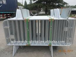 Mobile Fence Temporary Fence For Dogs Indoor Dog Fencing Buy Temporary Mobile Fence Temporary Fencing Mesh Temporary Movable Fence Product On Alibaba Com