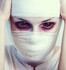 scary mummy eye makeup